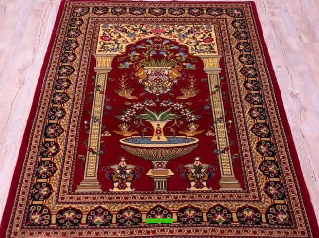 Prayer Rugs | Persian Rugs | Persian Qum Rugs, Handmade Rugs, close up image, size 3.5x5